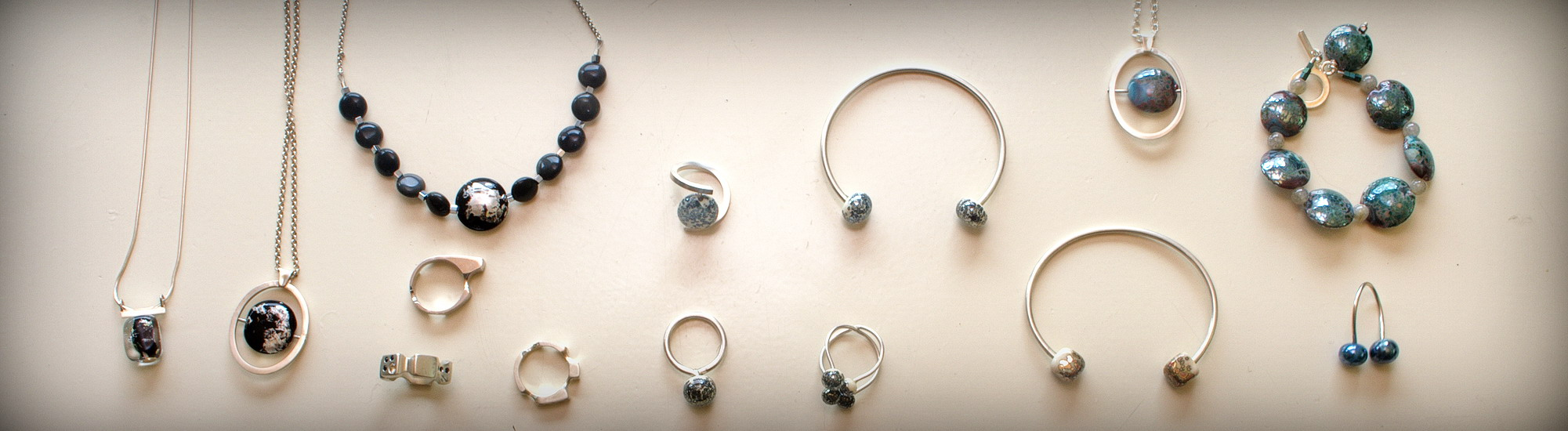 VIV'S Goldsmithing and lampwork combined